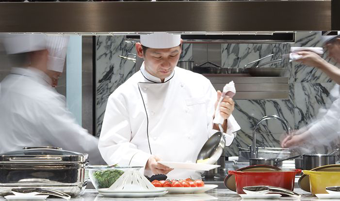 Chef-Eiji-Okamura