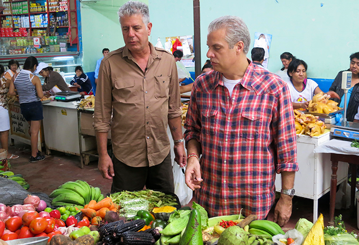 Chefs-Anthony-Bourdain-and-Eric-Ripert-in-the-market-together